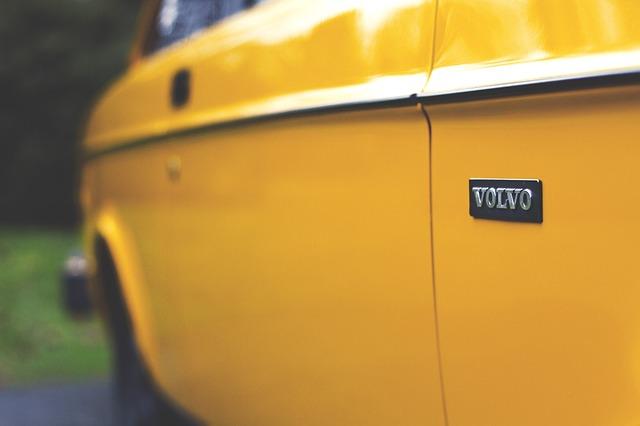Volvo odvolalo vo Veľkej Británii 70 000 automobilov z dôvodu rizika požiaru.